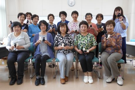 神足支店女性部「にゃん子クリップ」作成1